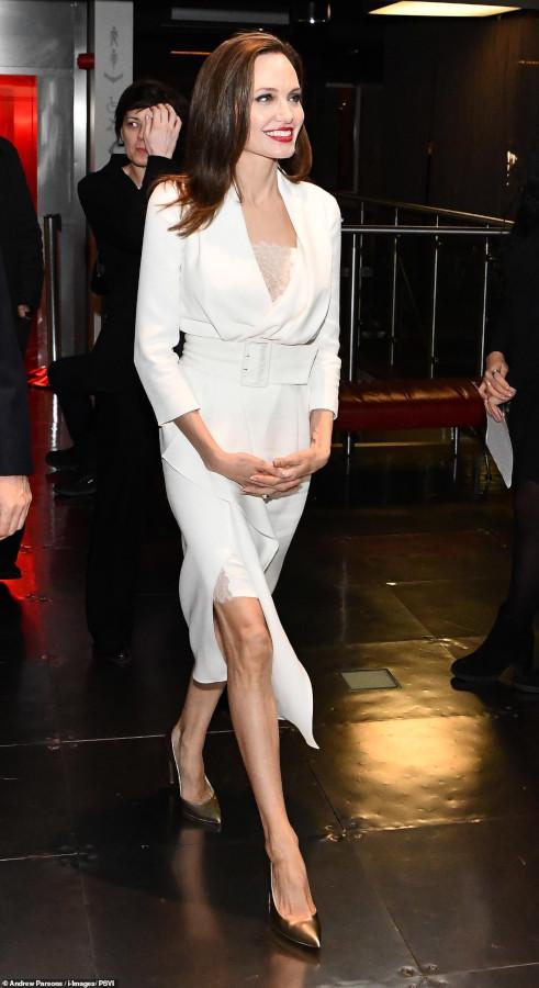 angelina jolie wears ralph & russo