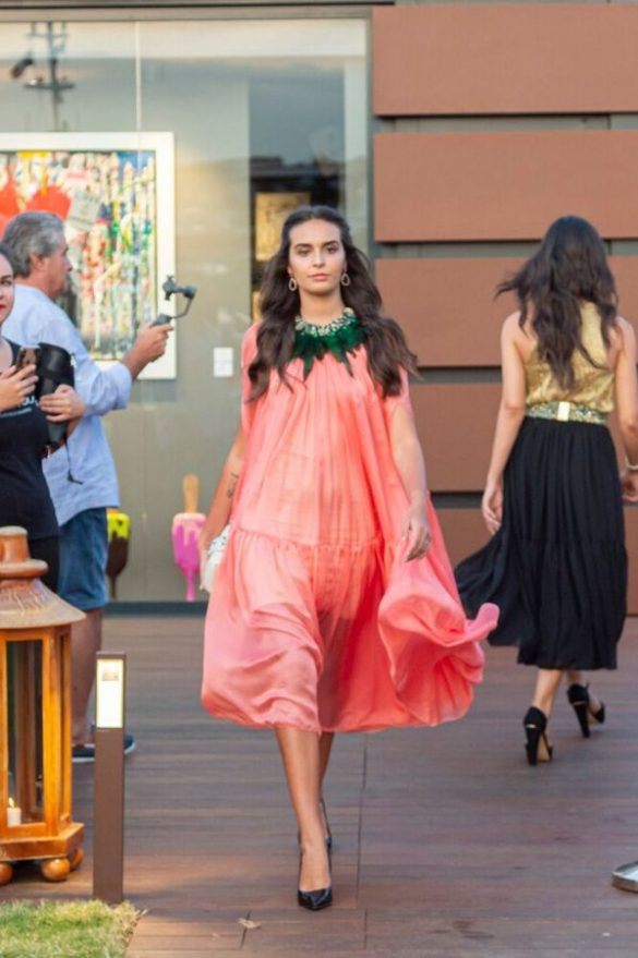 Eles Italia: a hymn to elegance on the Nikki Beach catwalk