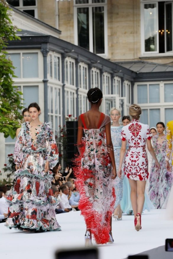 RALPH & RUSSO AUTUMN-WINTER 2019/2020 COUTURE COLLECTION